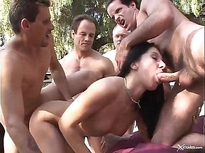 Renee Pornero Swinging Gangbang