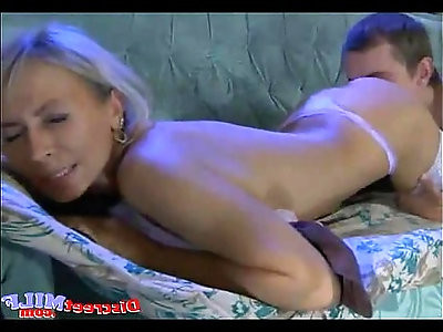 Guy Convince Mature Woman Into Sex
