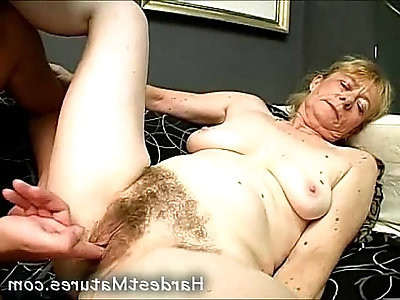 Real old granny pussy getting fucked