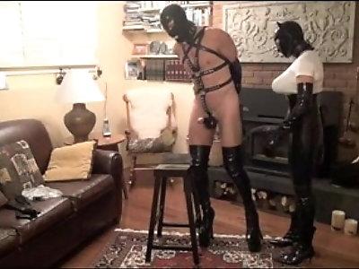 Strapon Slave