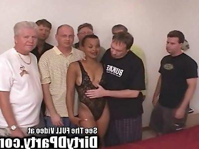 Hot Ebony Kaitlyns White Cock Bukkake Gangbanging