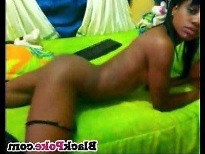 Sexy skinny black teen shaking her booty