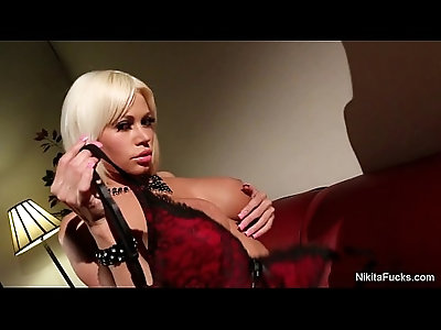 Nikita Von James Masturbates