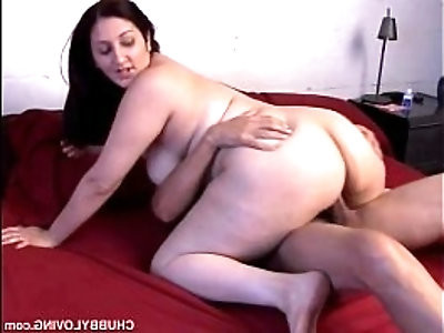 Cute chubby with a nice big ass and a sexy natural bush