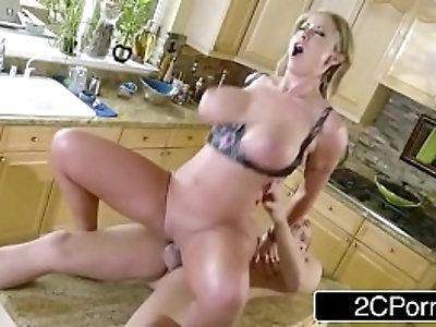 Dirty Eva Notty Fucks Her Neighbour
